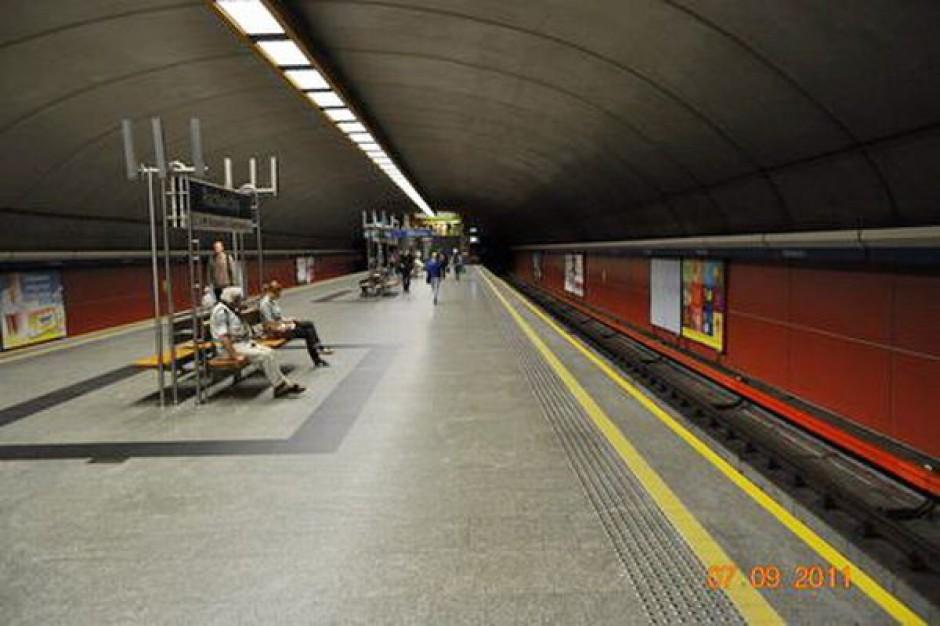 Usunięto usterkę, metro jeździ normalnie