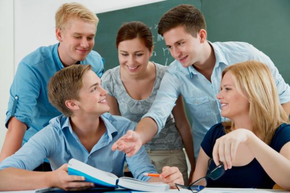 Młodzi będą uczyć się pracować