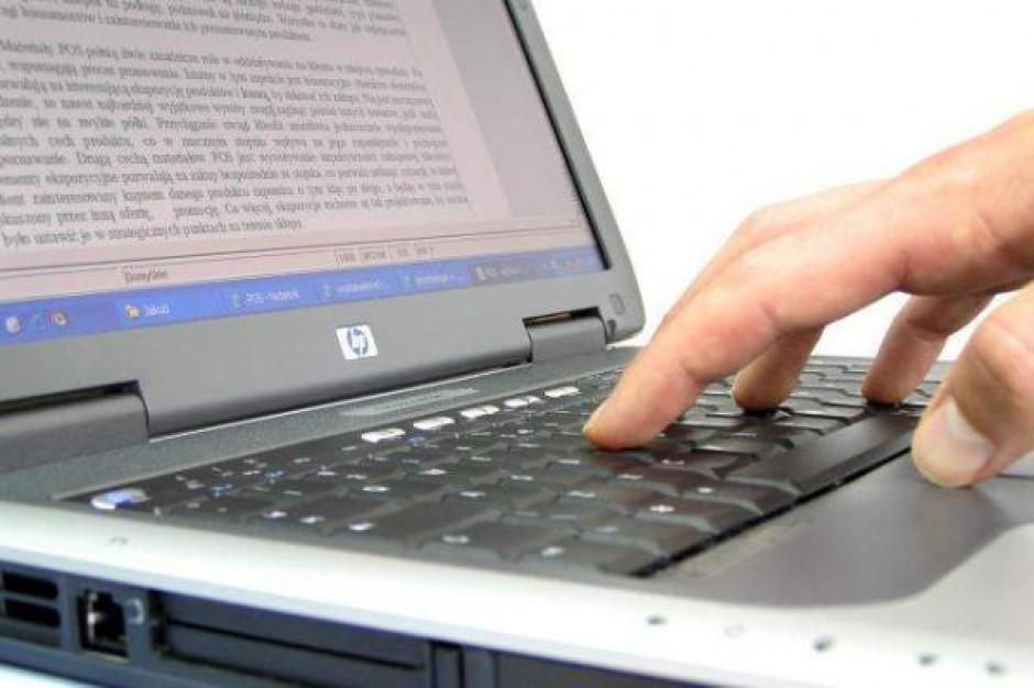 Polacy wolą media internetowe od tradycyjnych