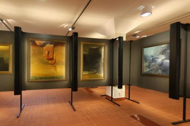 Galerię Beksińskiego magnesem na turystów w Sanoku