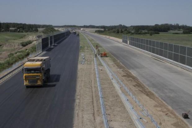 831 mln euro na trzy polskie drogi