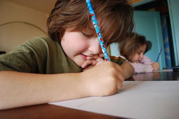 Wyłudzają od dzieci w szkole dane osobowe