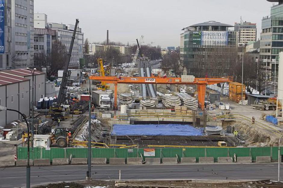 Zmiana terminu zakończenia budowy metra