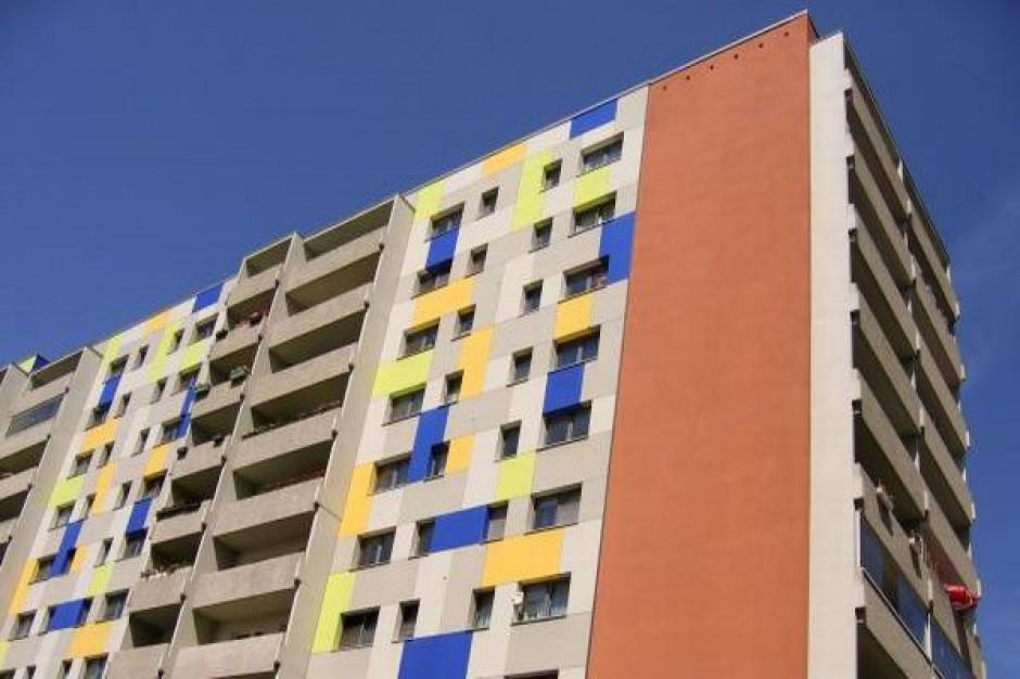 Resort zbada budynki z wielkiej płyty