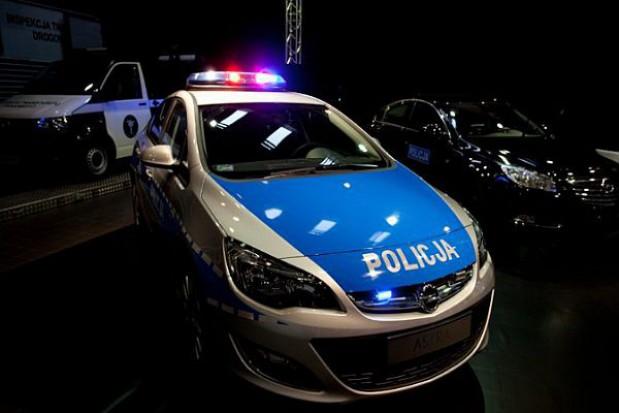 Zamiast oszczędności policja liczy straty