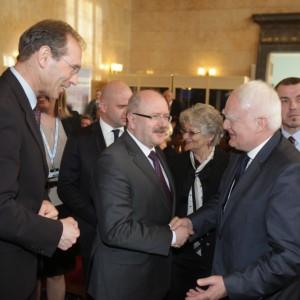 Swoją osobą naszą galę uświetnił minister w kancelarii prezydenta Olgierd Dziekoński. Na zdjęciu z prezydentem Gliwic Zygmuntem Frankiewiczem i prezydentem Katowic Piotrem Uszokiem.