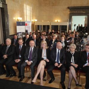 W Sali Marmurowej Urzędu Wojewódzkiego w Katowicach panował świetny nastrój. W szczególnie dobrych nastrojach byli minister Beata Jaczewska i Piotr Uszok, prezydent Katowic.