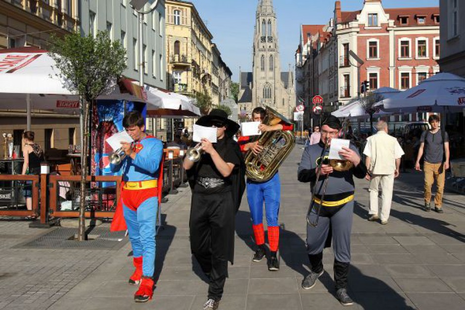 Kultowe seanse w kinach i na ulicach Katowic