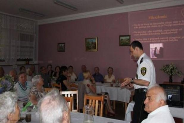 Straż miejska w Toruniu szkoli seniorów