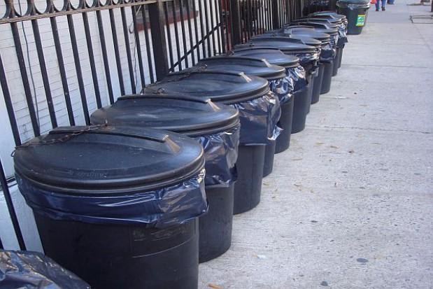 Zamówienie z wolnej ręki na odbiór śmieci tylko awaryjnie