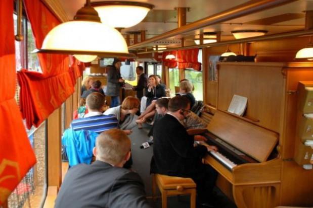 Tramwaj z pianinem i WiFi będzie jeździł po Warszawie