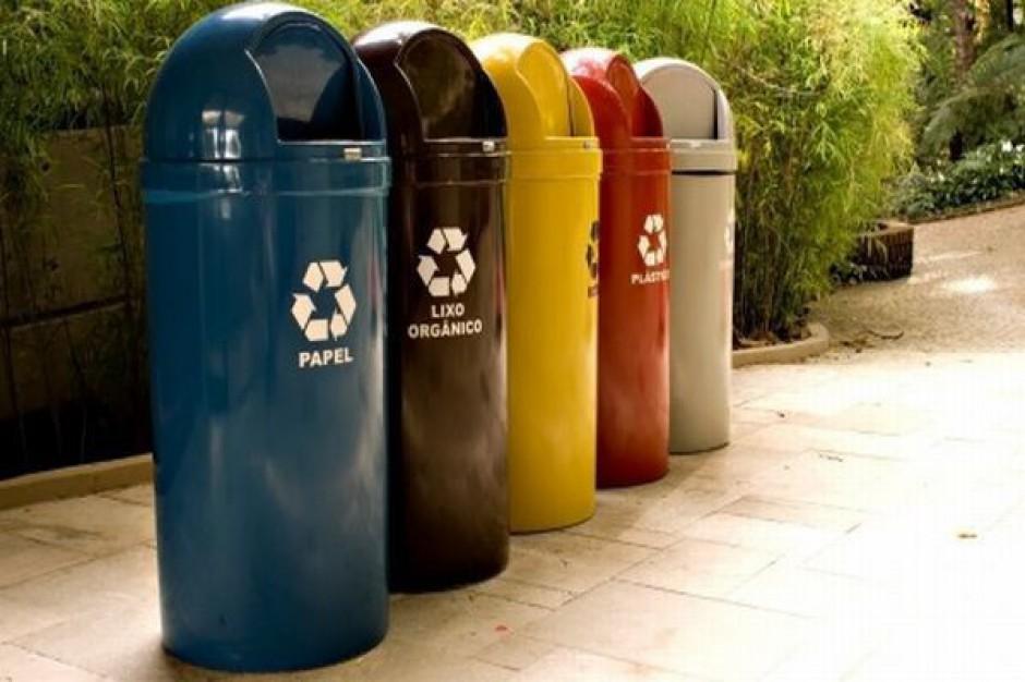 Składanie deklaracji śmieciowych idzie jak po grudzie