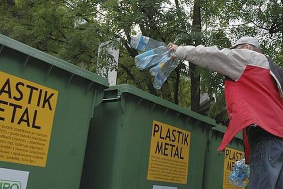 Ledwie 800 gmin z przetargami na śmieci