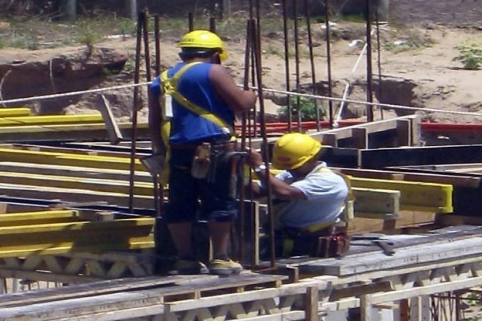 Prace przy wylewaniu stropu łódzkiego dworca