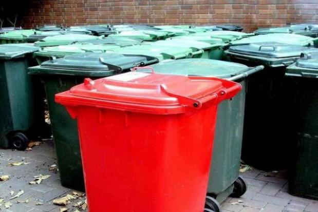 Brak pojemników na śmieci trzeba zgłaszać gminie