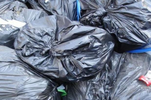 Worki na śmieci zamiast pojemników w Wielkopolsce