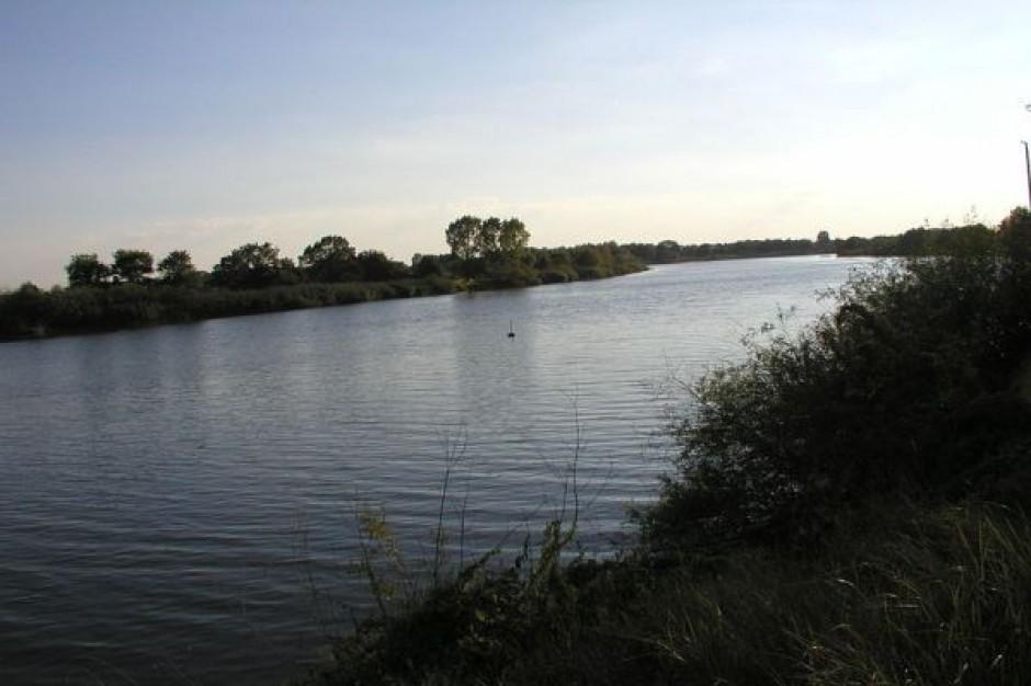 Most w Brzegu Dolnym spiął oba brzegi Odry