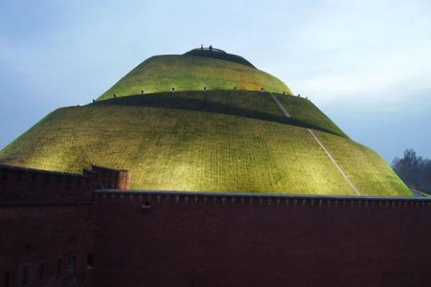 Odnowiono mury obronne fortu Kopca Kościuszki