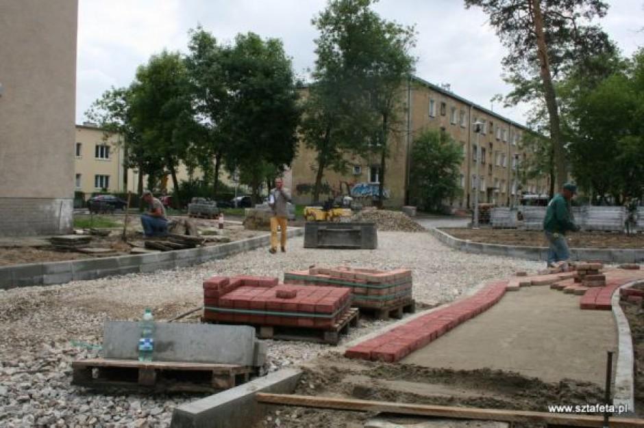 Zamieszanie przy budowie osiedlowej ulicy