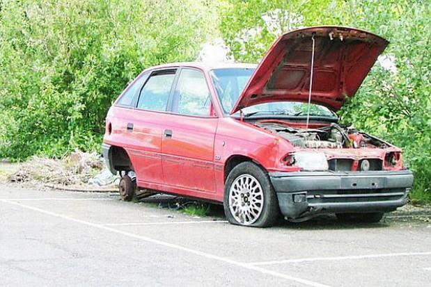 Straż miejska w Płocku usuwa auta
