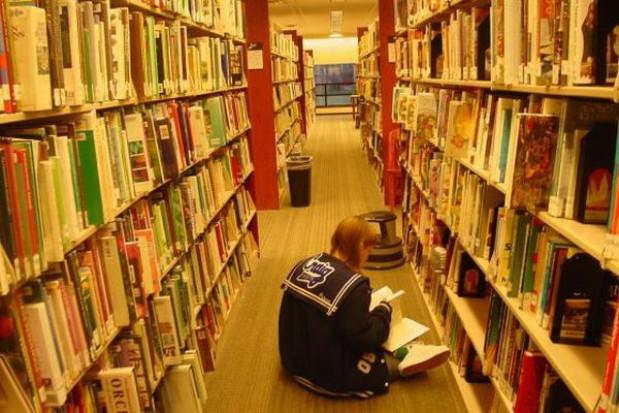 Rudzka biblioteka pedagogiczna uratowana