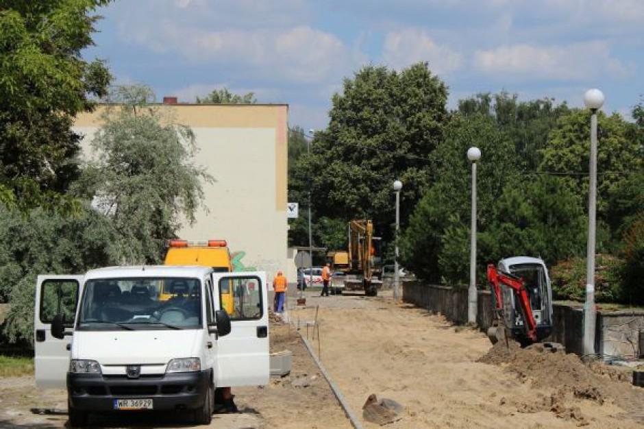 Ruszyła budowa parkingu i alei w Radomiu