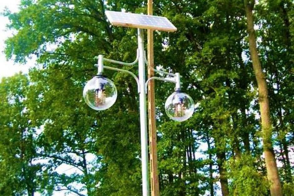 Gmina stawia lampy solarne
