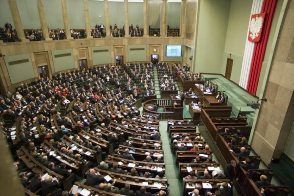 PiS chce sejmowej debaty o finansach Mazowsza