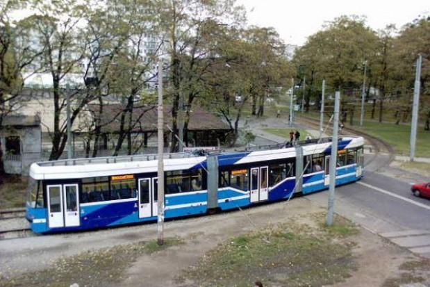 Radny narzeka na letnie kursy tramwajów