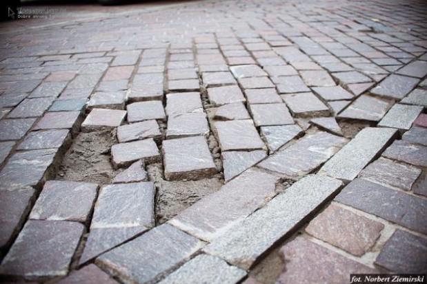 Niedawno odnowiona droga w Tarnowie znów do remontu