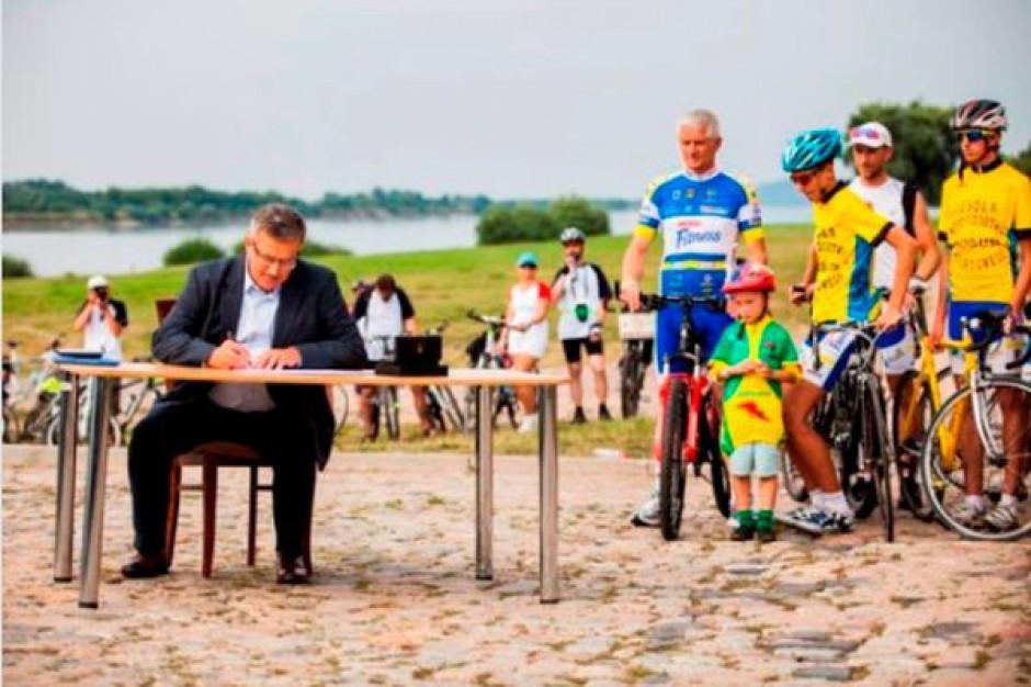 Rowerem wzdłuż Wisły - prezydent za