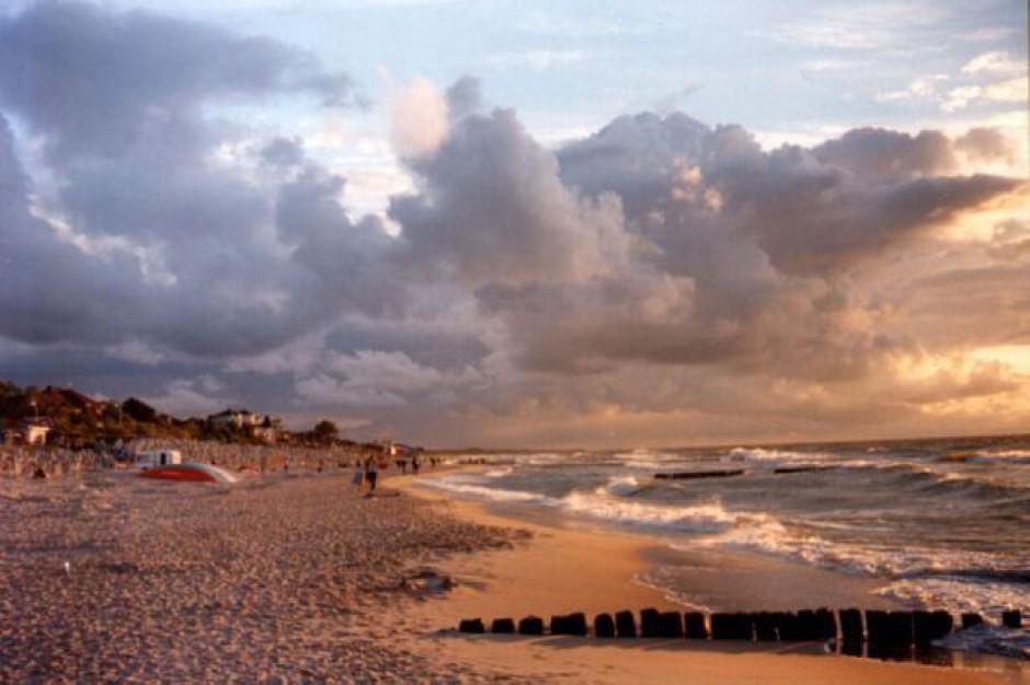 Z bałtyckich plaż sprzątnięto 4 tys.litrów śmieci