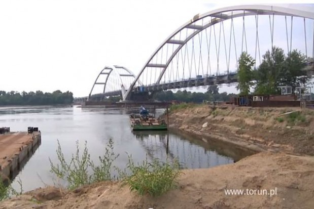 Nowy most w Toruniu już stoi. Zobacz film