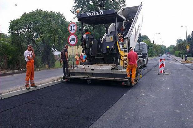 Budowa drogi do terminalu w Radomiu na finiszu