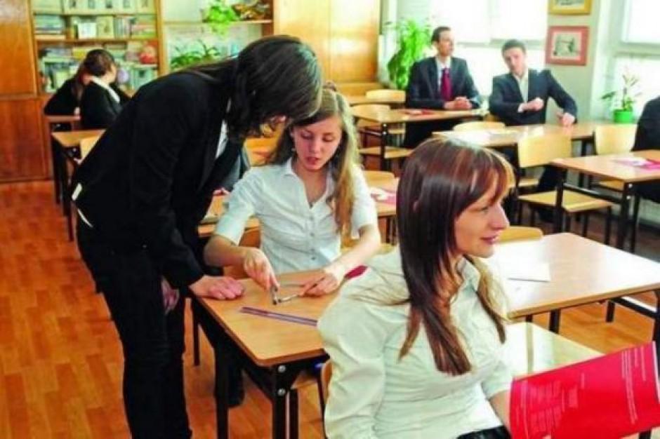 Dane dot. zwolnionych nauczycieli pod koniec września