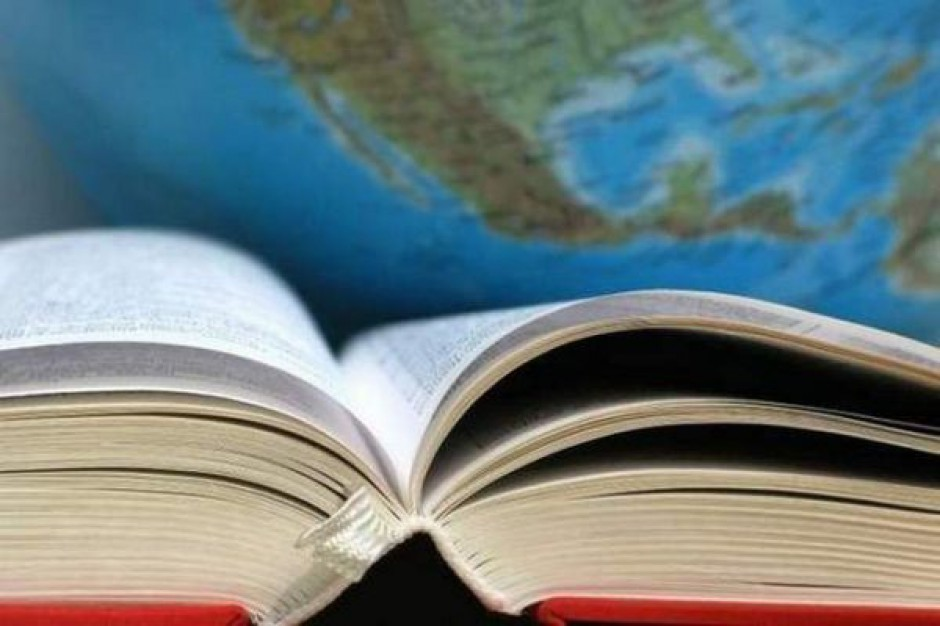 Umowy na szkole podręczniki pod kontrolą