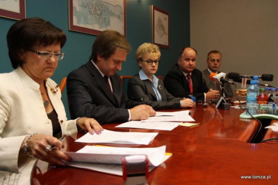 Łomża też z opóźnieniem podpisała umowę na odbiór odpadów komunalnych