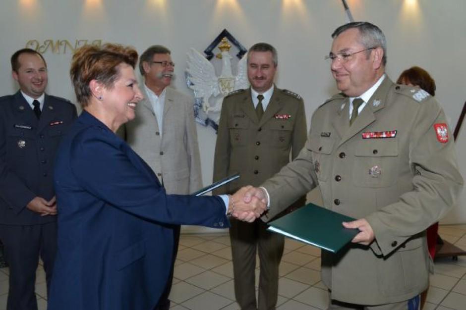 Bezpieczna współpraca miasta i akademii wojskowej