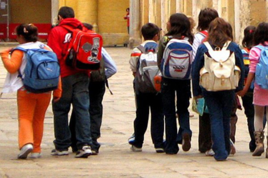 SLD postuluje - pensje nauczycieli z budżetu państwa i mało liczne klasy