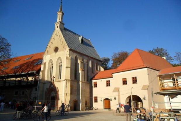 Czas na remont wnętrza zamkowej kaplicy