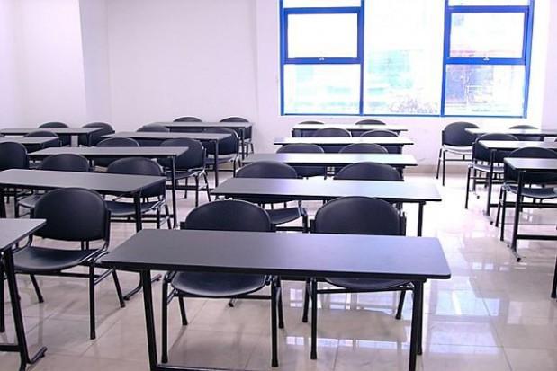 Kasa na pomieszczenia do nauki