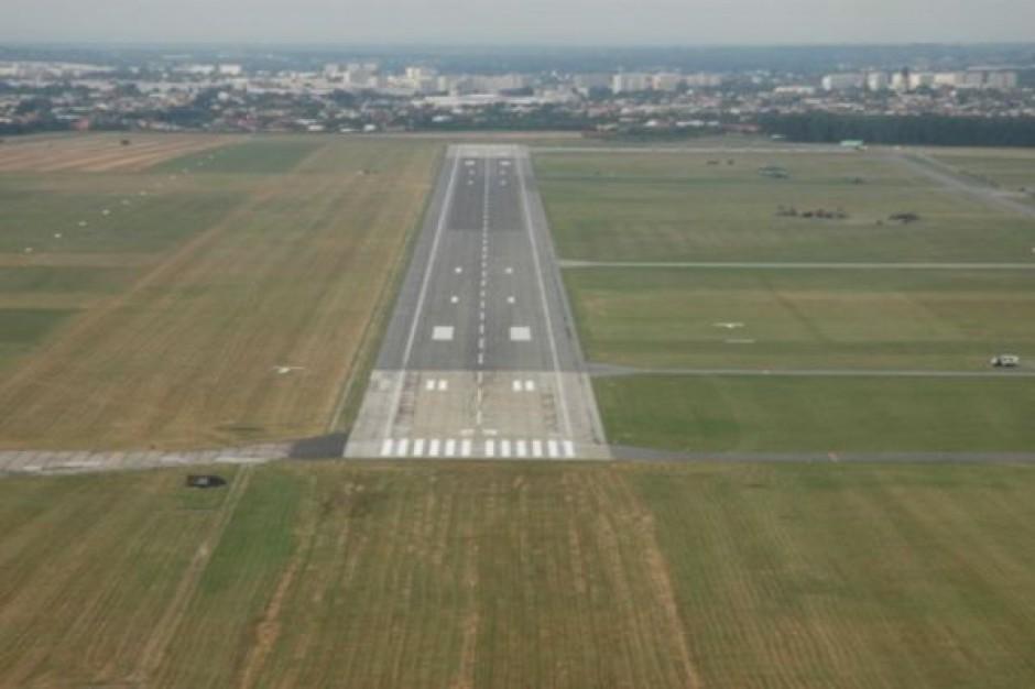 Lotnisko w Radomiu ruszy z opóźnieniem