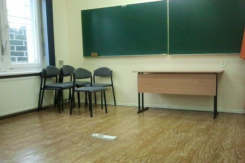 ZNP: Odwołać wójta Darłowa za chaos w szkołach