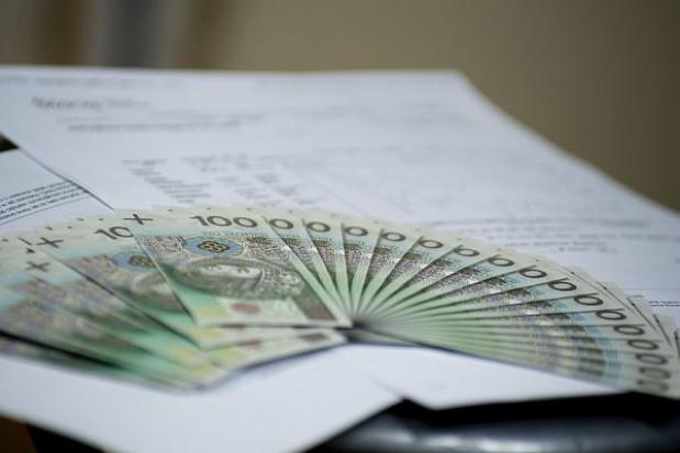 888 mld 107,3 mln zł długu publicznego