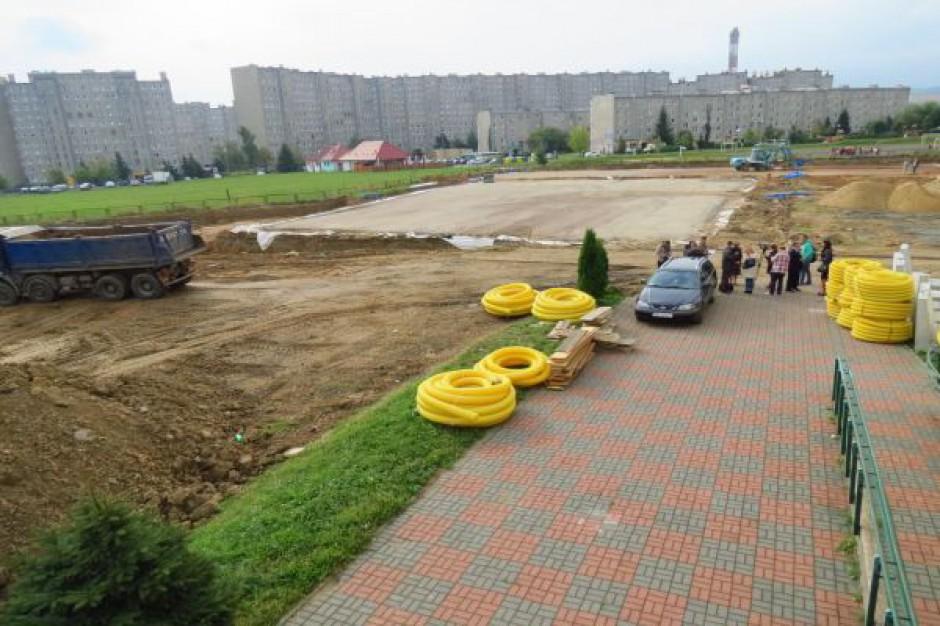 Budują przyszkolne centrum sportowe