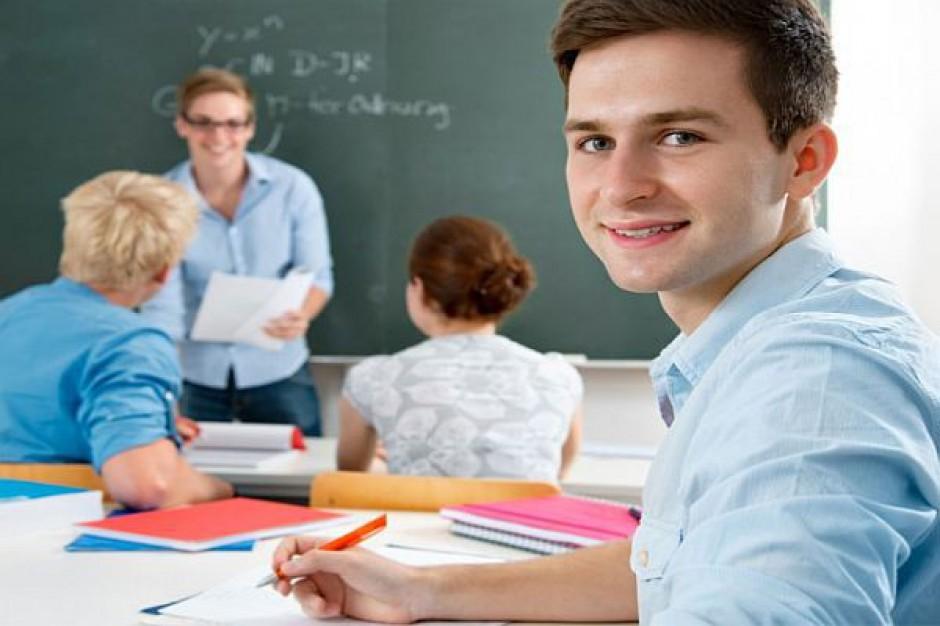 Licealiści nauczą się jak założyć firmę
