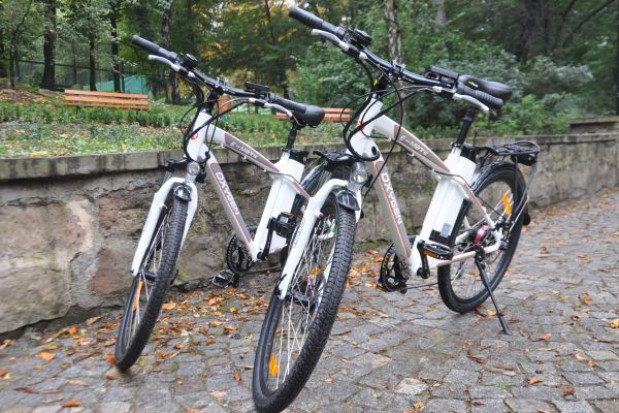 Straż miejska na rowerach elektrycznych