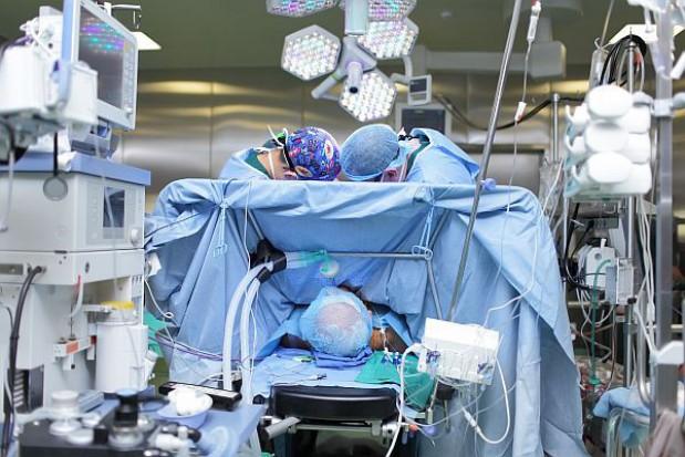 Szpital w Olsztynie chirurgicznie leczy otyłość