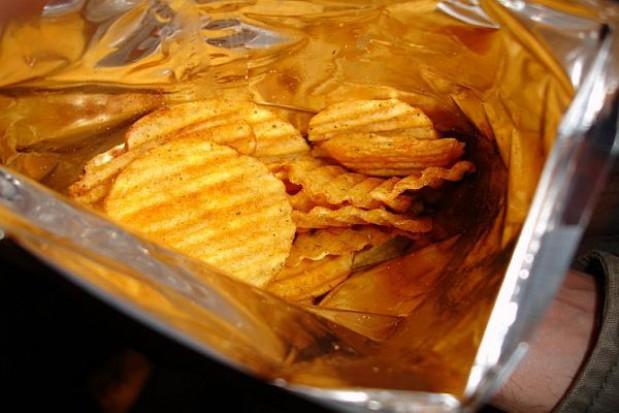 Szkoły idą na wojnę ze śmieciowym jedzeniem