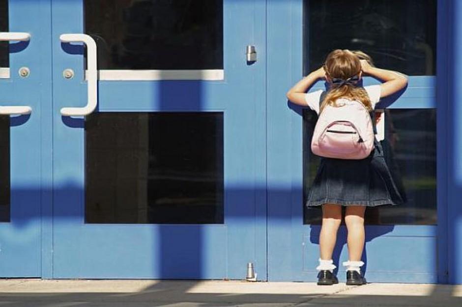 Zmienić małe placówki w szkoły środowiskowe